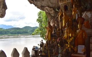 Jaskyne Pak Ou